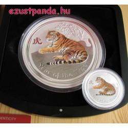 Lunar2 Tigris éve 2010 1 kilogramm színes ezüst pénzérme, topázzal