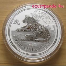 Lunar2 Tigris éve 2010 1 kilogramm ezüst pénzérme