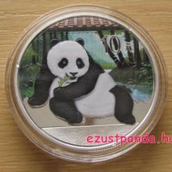 Panda 2015 1 uncia színes ezüst pénzérme